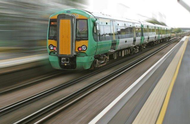 Viaggiare in treno con i vostri bambini consigli utili